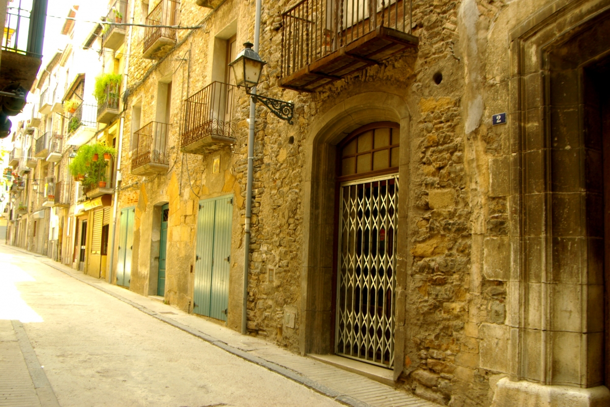 villa cerrada y casco antiguo barcelona film commission. Black Bedroom Furniture Sets. Home Design Ideas