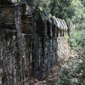 Castell Riudabella Muralla