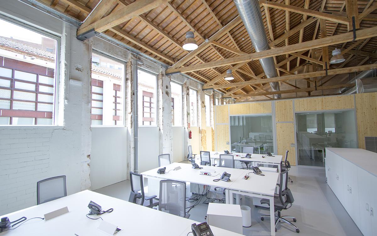 Roca Umbert Oficinas Industriales Barcelona Film